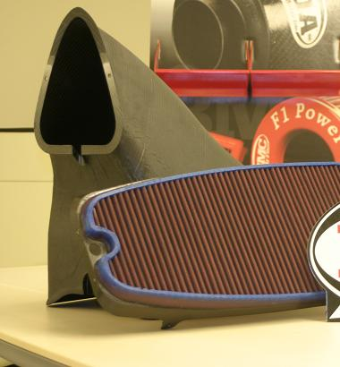 F1 Airbox med carbon design og BMC luftfilter indsats.